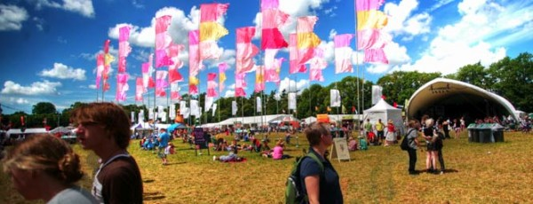 Extending contactless technology to the independent sector with WOMAD, Weyfest & more